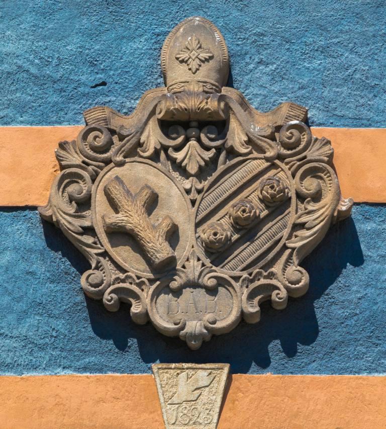 Erb Benediktínského kláštera v Broumově
